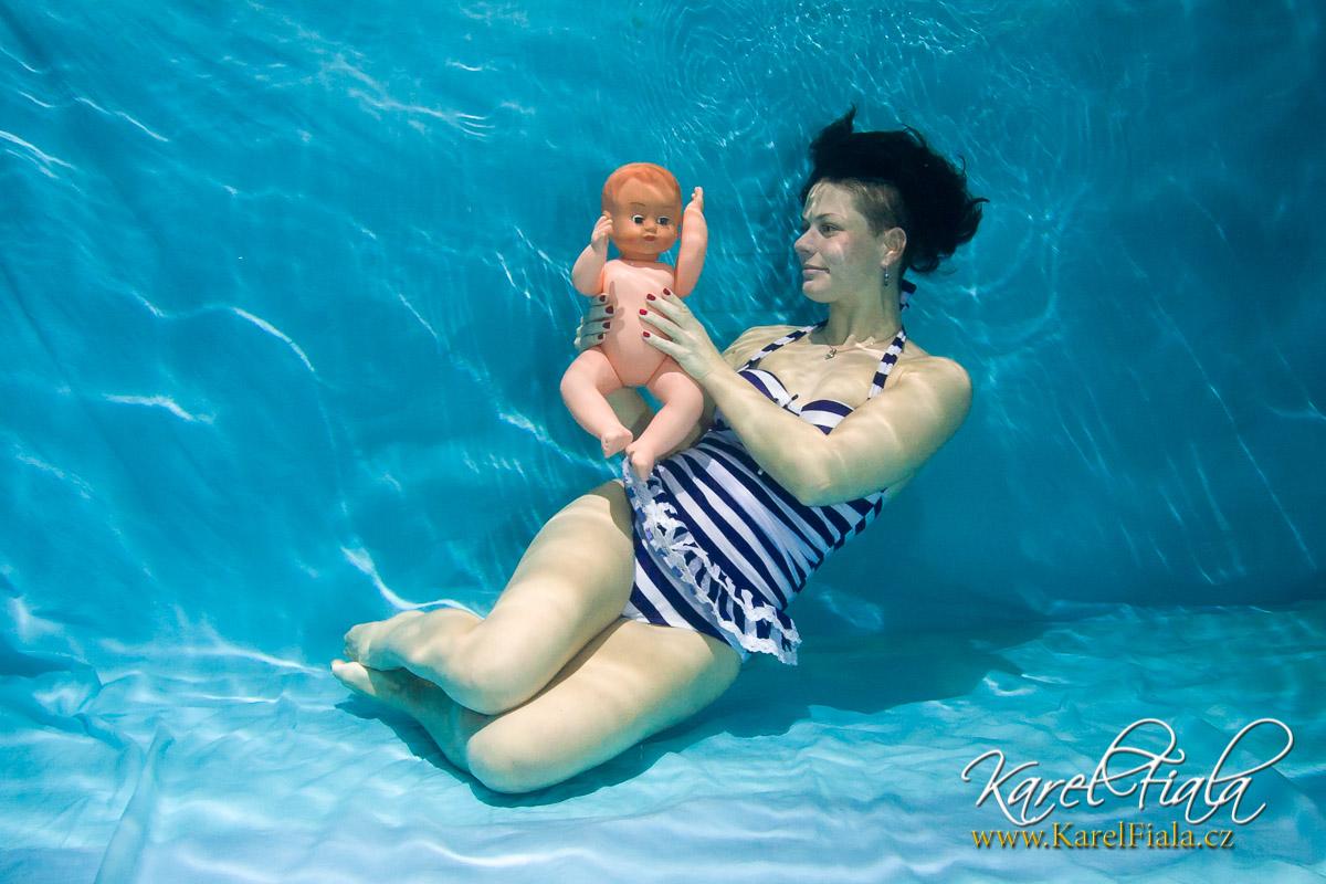 14 tipu na foceni pod vodou pozovani matka a dítě1112