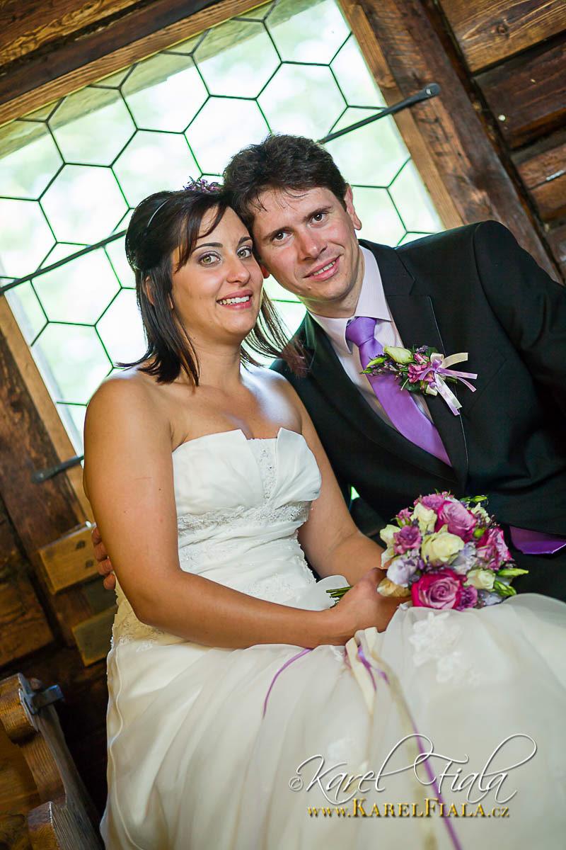 Svatebni-fotografie-svatba-fotograf-velke-mezirici-vysocina-merin-trebic-jihlava-23