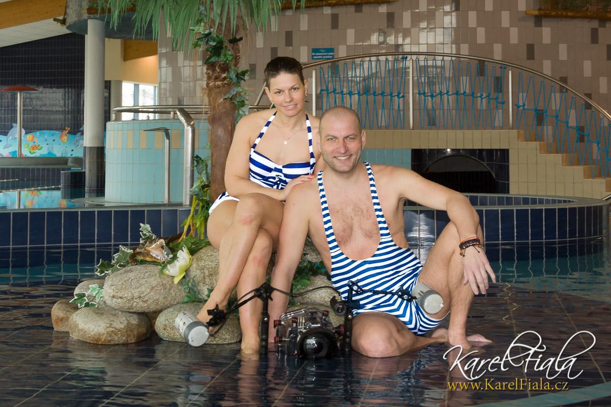 Focení pod vodou - fotograf a asistentka